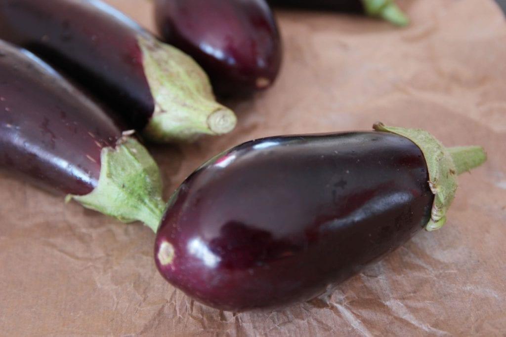 Comment reconnaitre aubergine mure - Comment cuisiner des aubergines au four ...