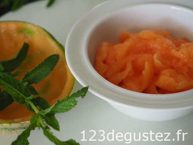 soupe froide de melon-menthe