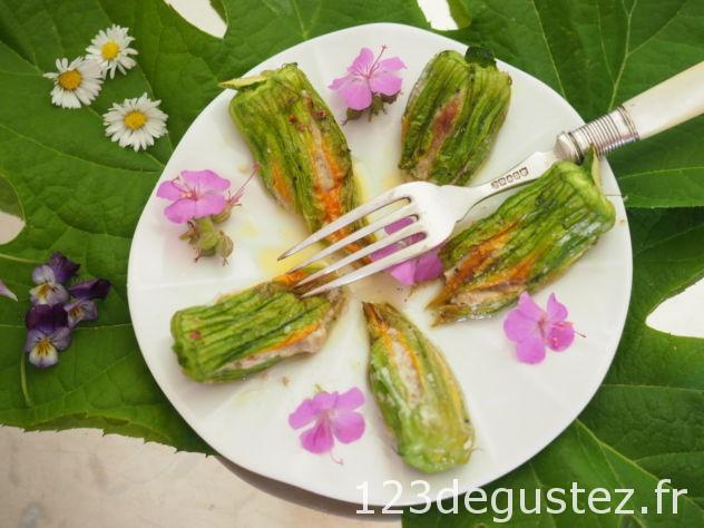 fleurs de courgettes farcies roquefort-noisette