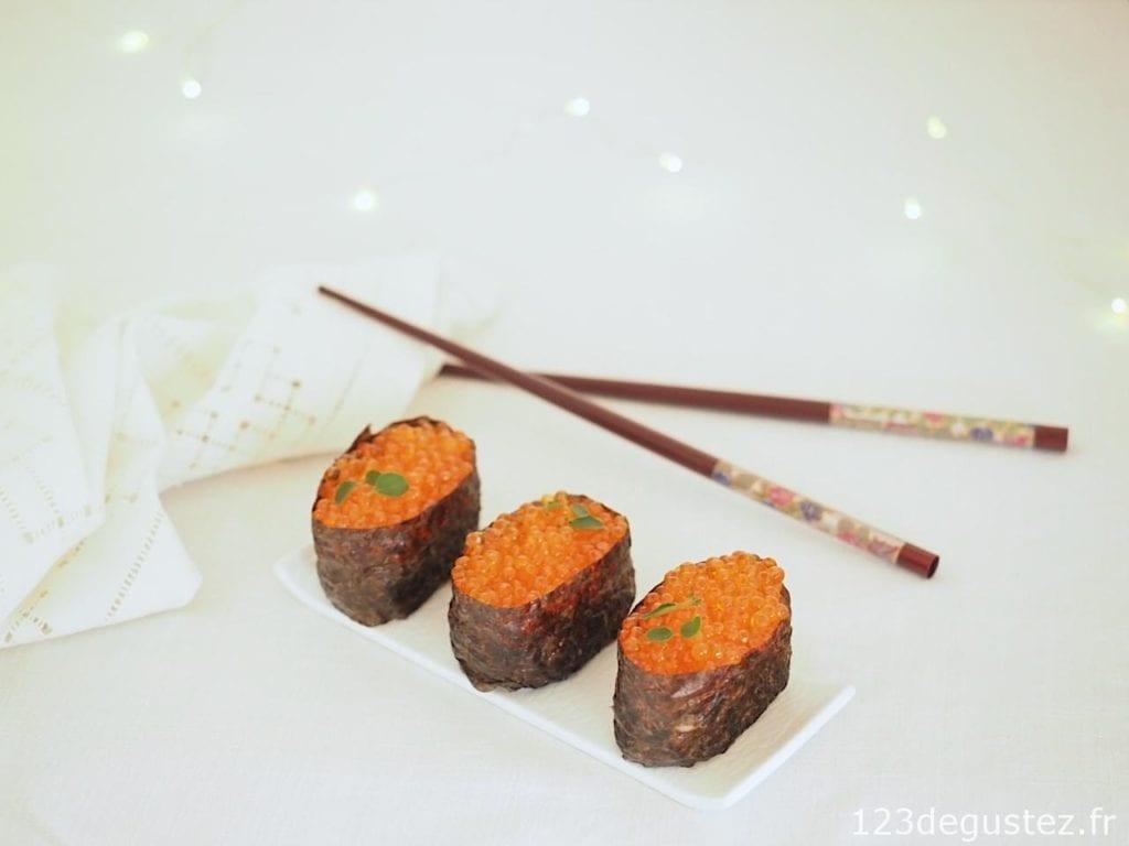 maki aux oeufs de saumon