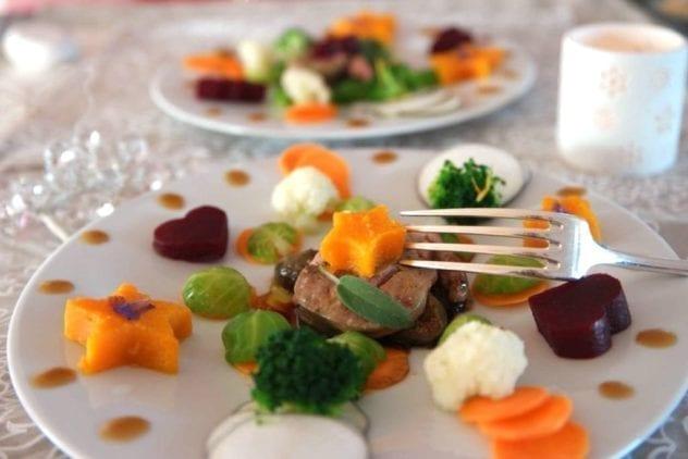 decoration d'assiette avec des légumes